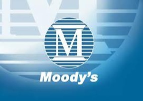 Moody's puts 114 European banks on downgrade review