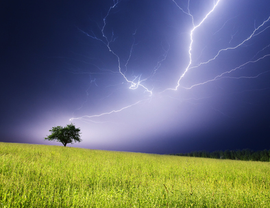 LIGHTNING CASES TO INCREASE, EXPERT SAYS