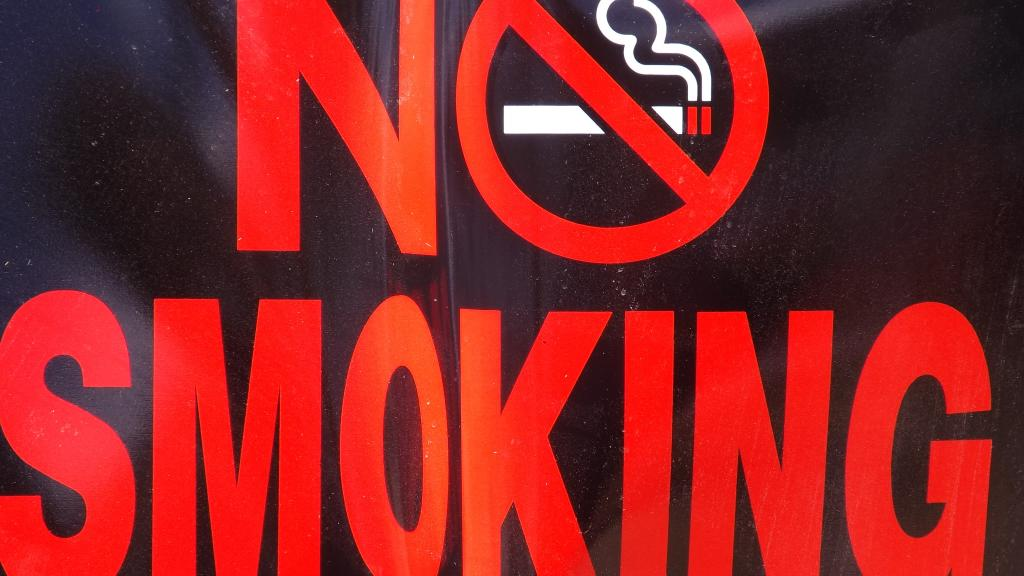 Russian government approves harsh anti-tobacco ban for 2015