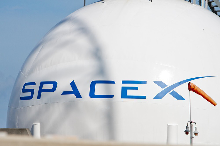 SpaceX Calling for A Mars Colony of 80,000, Video