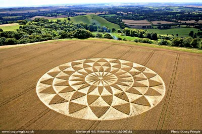Really Cool Footage on Some Recent Crop Circles 8.13 and 8.14