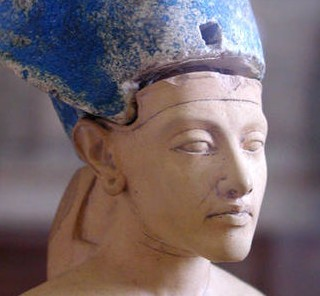 Akhenaten with blue crown1 e1360297591241 Barack Obama and The Armageddon