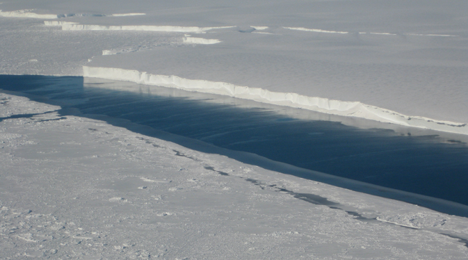 Massive valley deeper than Grand Canyon found under antarctic ice