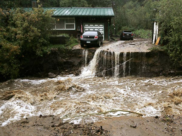 Colorado Flooding Sparks 18,000-Gallon Oil Leak