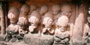 Extraterrstrials-Statues-In-Nucu-Hiva-Island-French-Polynesia