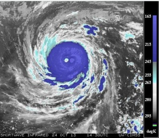 Super Typhoon Haiyan Just Broke All Scientific Intensity Scales, 500 Miles Wide, 236 MPH Winds (Live Stream)