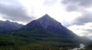 Alaska Worlds-Oldest-Pyramids-Found-in-Alaska-Shocks-Scientific-Community-600x330