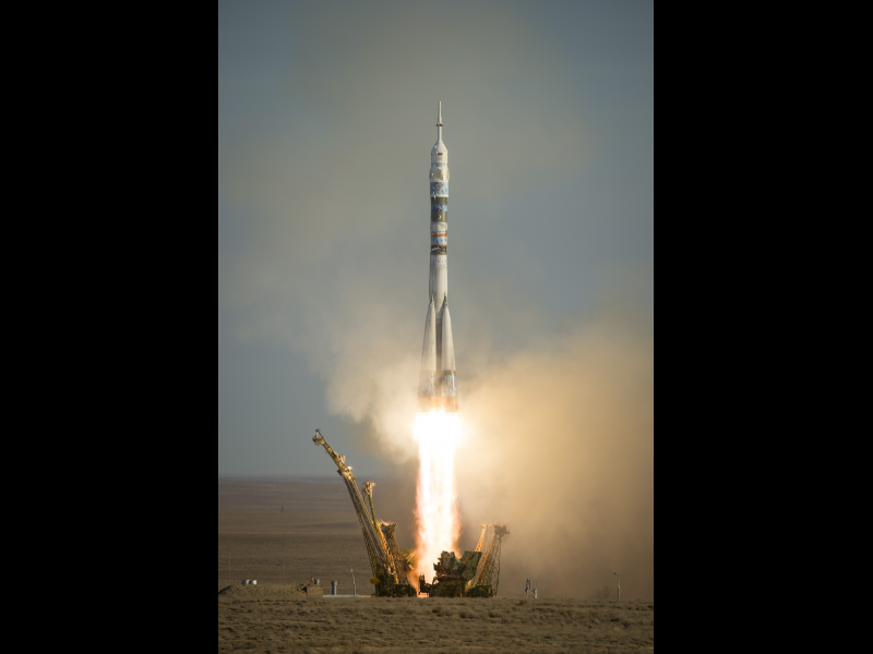 Expedition 38 Lifts Off