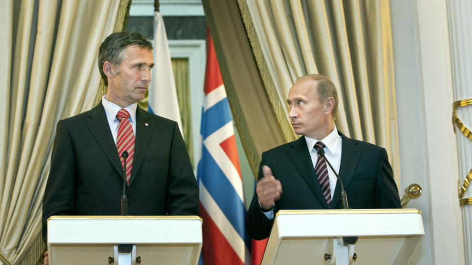 """Norway Premier """"Begged"""" Putin To Stop Massacre Planned By """"Elites"""""""