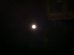 photo full moon 2 j white