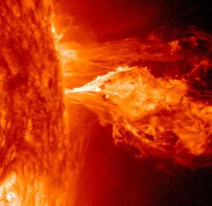 Space Weather News for 4.22.2014