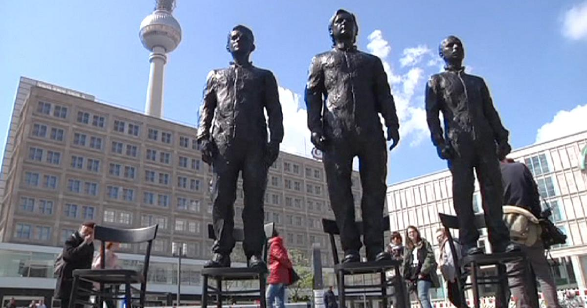 Snowden, Assange and Manning Statues Unveiled in Berlin VIDEO