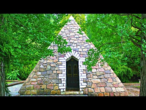 Mysterious Pyramids In Quakertown, Pennsylvania – What's Inside? VIDEO
