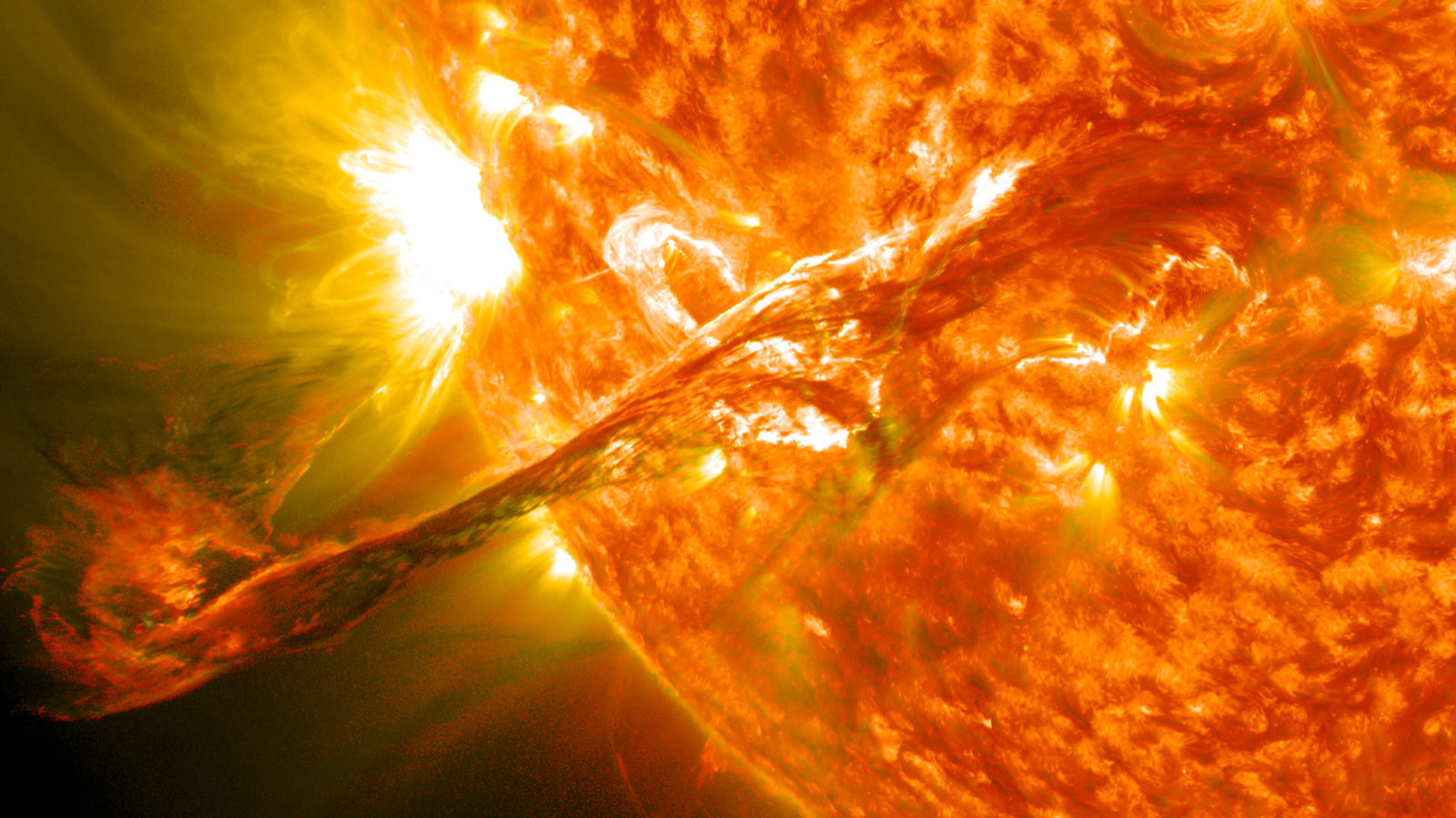 Space Weather – A HOLE IN THE SUN'S ATMOSPHERE