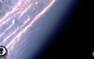 NASA Pans Camera Away From SOMETHING In Space! 1/16/17 [VIDEO]