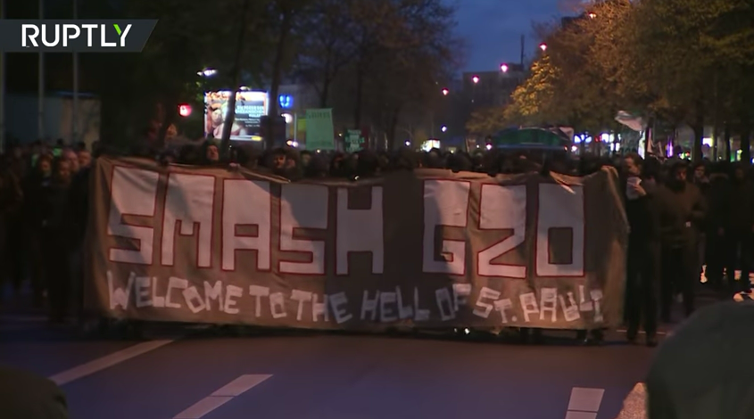 'Smash G20': Hundreds of anti-summit protesters take to Hamburg's streets, clash with police [VIDEO]