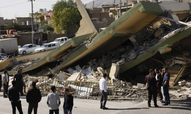 Iran-Iraq earthquake: Rescuers in race for survivors