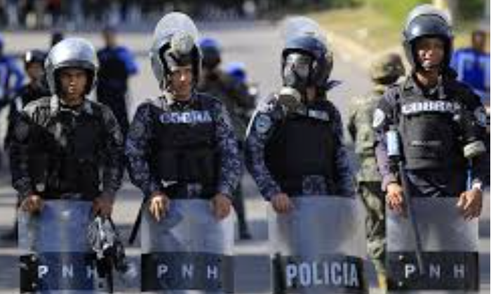 Honduran Police Refuse Government Orders to Crush Pro-Democracy Protests