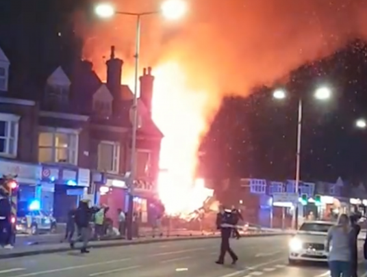 Major incident declared after 'massive explosion' shakes homes in Leicester