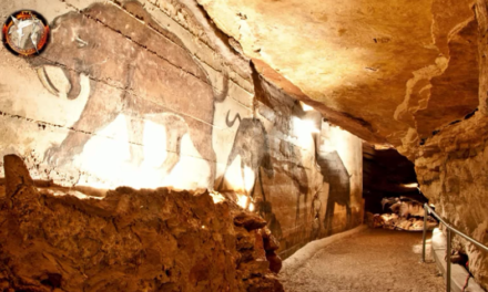 Cave Mysteries of the Nephilim. Are there Civilizations Underground ? [VIDEO]