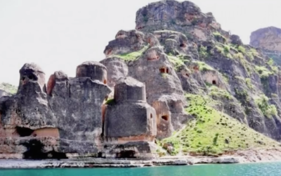 The Astonishing Eğil Castles ~ Impossible Ancient Ruins? [VIDEO]