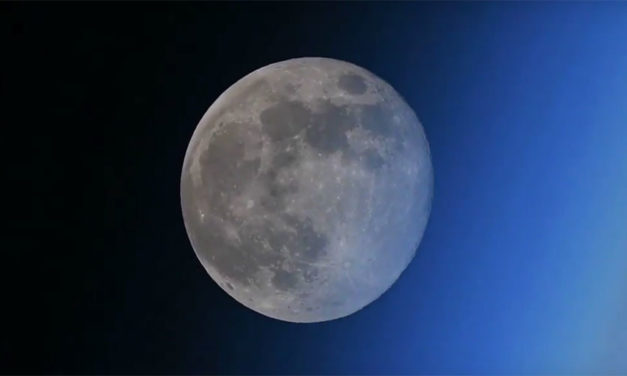 Moon 'vanishes' rapidly behind Earth in stunning video by Russian ISS cosmonaut