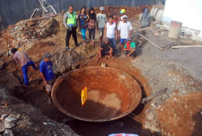 Giant Frying Pan discovered in Central Java, Indonesia