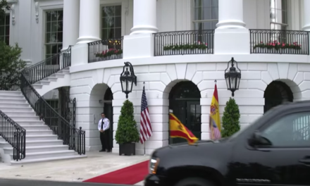President Trump & First Lady Melania Trump Welcome King Felipe VI and Queen Letizia of Spain [VIDEO]