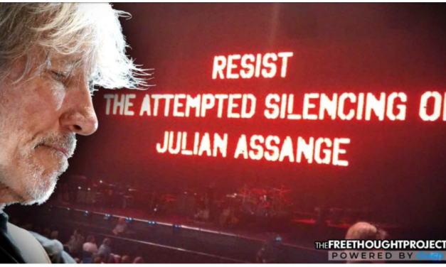 Pink Floyd Frontman Opens Show By Exposing The Government Silencing of Julian Assange