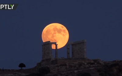 Spectacular! Blood moon takes over night sky around the world [VIDEO]