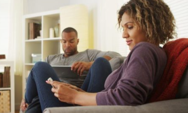 Study finds happiest couples are ones who occasionally glance up from electronic devices to acknowledge each other's presence