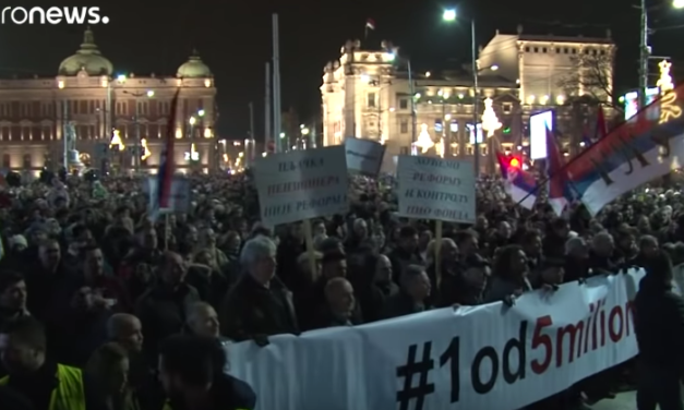 Thousands Flood the Streets of Belgrade in Anti-Government Protest [VIDEO]