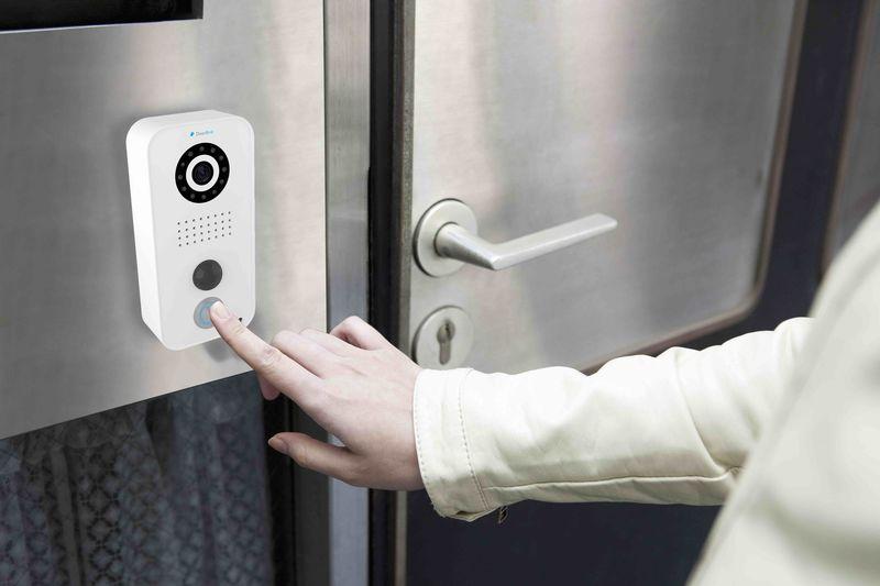 Police use facial recognition doorbells to create private watchlist networks