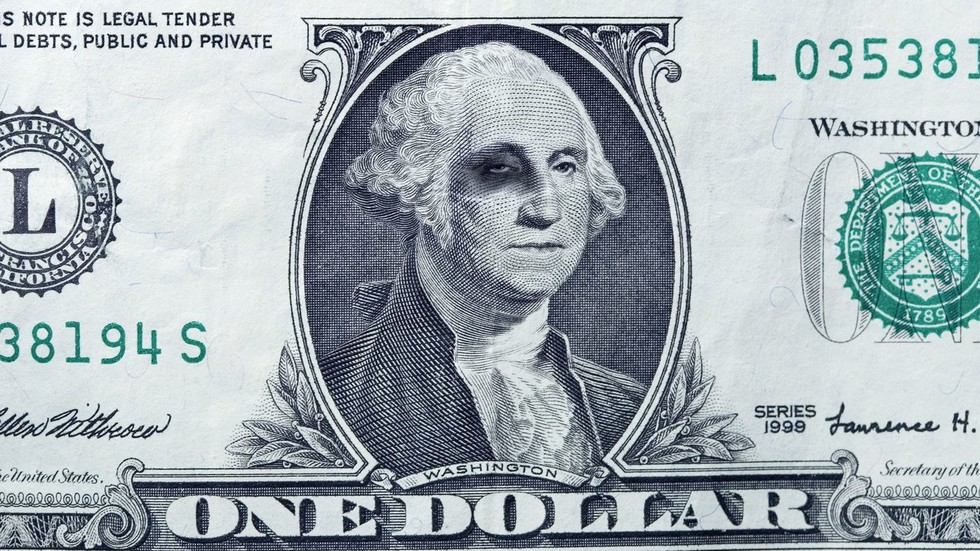 Top 5 countries opting to ditch US dollar & the reasons behind their move