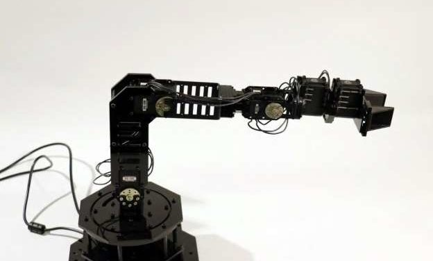 Robot that thinks for itself from scratch brings forward rise the self-aware machines