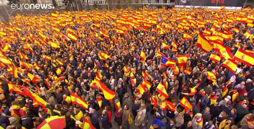 Madrid protesters oppose Sánchez Catalan plan [VIDEO]
