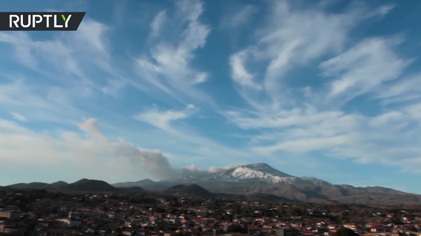Plumes of smoke over mount Etna in Sicily [VIDEO]