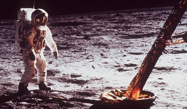Lunar Lunacy: Disappearing Moon Rocks, Contradictory Mineral Data, Missing Apollo Film and Destroyed Mission Technology