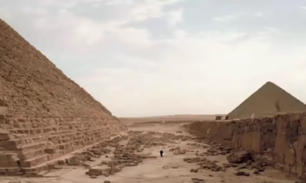 100K Yr Old Western Stone Laid By Pyramid Builders? [VIDEO]