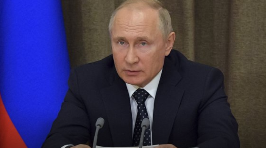 Putin hails new Russian laser weapons