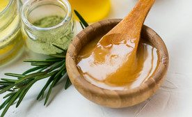 THE BENEFITS OF MANUKA HONEY AND WHY YOU SHOULD CONSIDER STORING SOME!