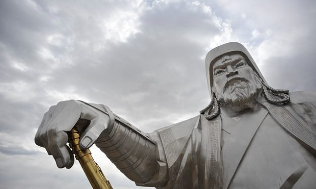 Russian Archaeologists Try to Save Siberian 'Atlantis'