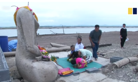 Lost temple reappears after drought dries up a reservoir in Thailand [VIDEO]